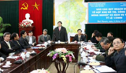 Nghe báo cáo về Đồ án quy hoạch phân khu dự án tổ hợp Yên Bình